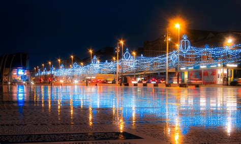 blackpools christmas lights bond hotel blackpool