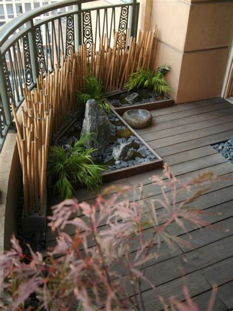 Sichtschutz Fuer Die Terrasse Aus Bambus Oder Aus Kunststoff by Sichtschutz F 252 R Terrasse Und Balkon Drau 223 En Versteckt