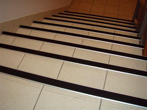 carrelage cuisine professionnelle antid apant carrelage escalier antidérapant