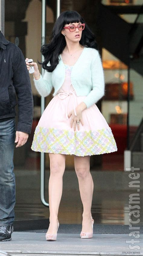 katy perry dressed  dessert lollipops  whipped