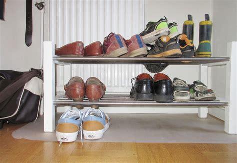 sko hylla awesome step skostativ  svart  sko hylla