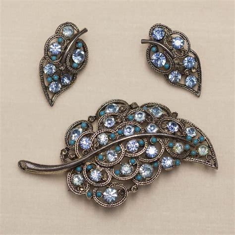 vintage costume jewelry sweet pea