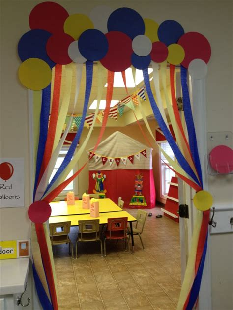 circus fun entrance  hall circus st birthday