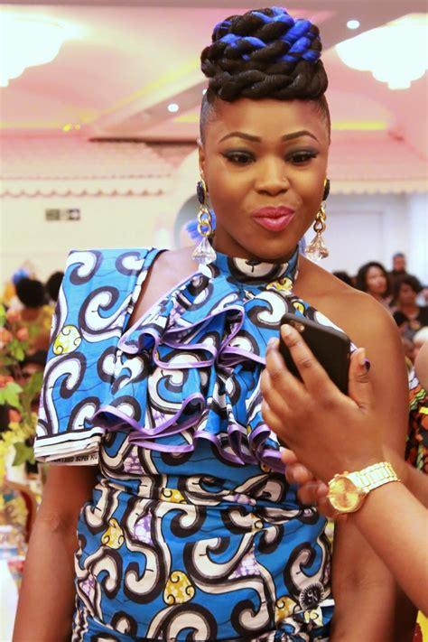 Épinglé par Sylvie Nkembo sur les robes Africains | Mode ...