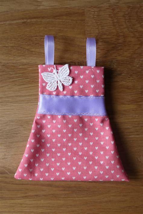 fabriquer une cuisine pour fille robes pour dragées pour baptême miss eliette
