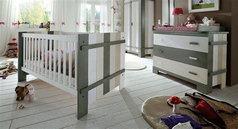Hochwertiges Babyzimmer Laubhütte aus KieferMassivholz