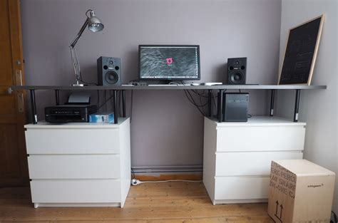 bureau debout avec des meubles ikea