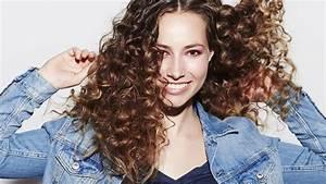 Cheveux Court Bouclé Femme : comment prendre soin et r parer mes cheveux boucl s et fris s ~ Louise-bijoux.com Idées de Décoration