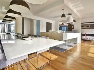 parquet salon cuisine cuisine amenage blanc avec parquet With parquet blanc laqué