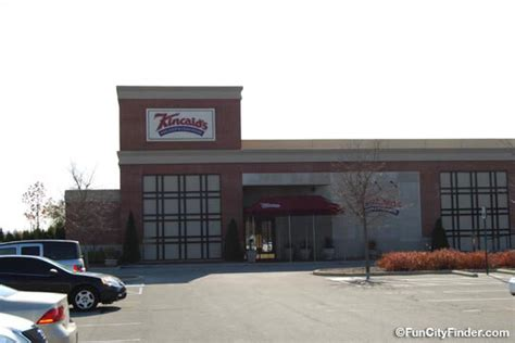 clay terrace restaurants clay terrace indianapolis shopping mall