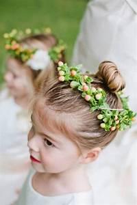 Couronne De Fleurs Mariage Petite Fille : coiffure petite fille pour mariage 30 filles d 39 honneur superbes ~ Dallasstarsshop.com Idées de Décoration