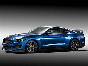 Ford's Shelby GT350R Is The Baddest Mustang Of Them All | Business Insider