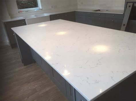 carrara white quartz rock   granite