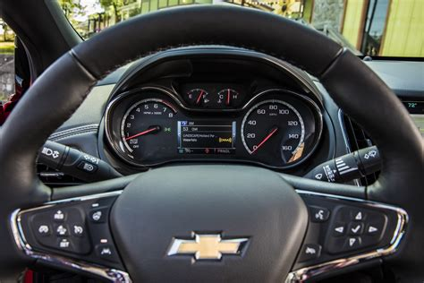 chevy cruze interior 2016 chevrolet cruze earns 42 mpg rating gm authority