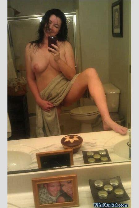 WifeBucket | Naked selfies from Vanessa