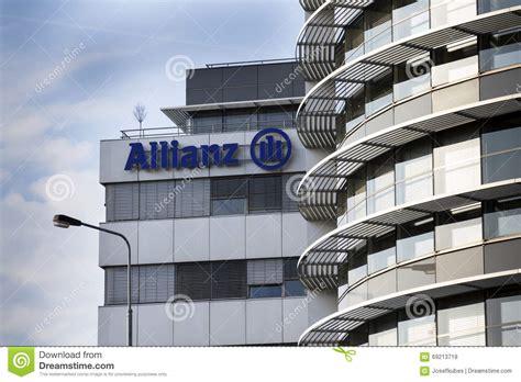 le logo financier et d 39 assurance de groupe d 39 allianz sur