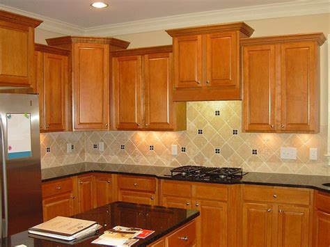 Oak Cabinets Kitchen Ideas by Kitchen Backsplashes For Black Granite Countertops With