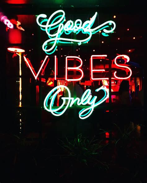 Neon Light Live Wallpaper by Neon Lights Vibes Only Words Of Wisdom Neon