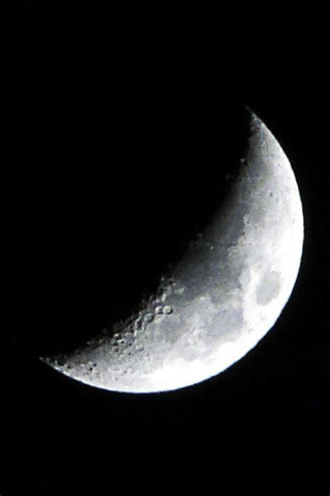 half moon iphone moon iphone wallpaper wallpapersafari 10755