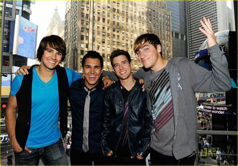 Four friends get an opportunity to work together and become a music group. Big Time Rush: New York City Is Ours!   Photo 373208 - Photo Gallery   Just Jared Jr.