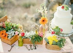 A simple desert engagement with natural boho style for Simple vegas weddings