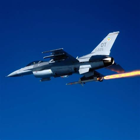 30 Best Images About F-16 Fighting Falcon On Pinterest
