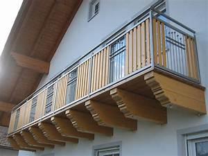 Balkonverkleidung Aus Holz : balkon aus edelstahl und holz elementen aus dem ~ Lizthompson.info Haus und Dekorationen