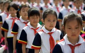 26,400 Chinese school children in toxic uniform scare ...