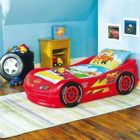 decoration chambre cars lit flash mac déco chambre cars garçon