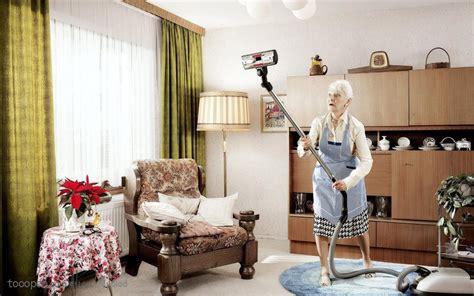 广告创意素材 搞卫生的老奶奶 素材公社