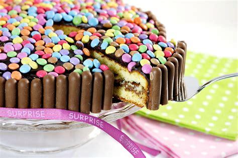 cuisine suedoise tuto quot gâteau d 39 anniversaire coloré aux bonbons quot aud 39 à