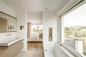 Bad Im Schlafzimmer : haus l in wachtberg bei bonn minimalistisch badezimmer ~ A.2002-acura-tl-radio.info Haus und Dekorationen