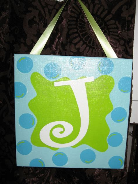 fun initial canvas   monogram art christmas