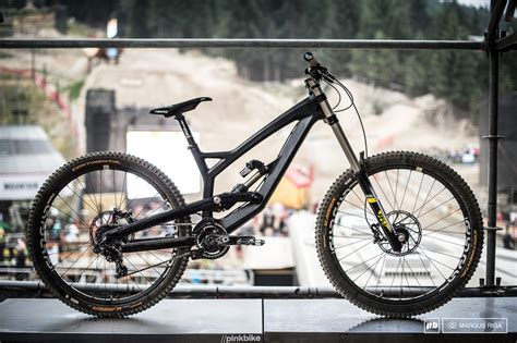 First Look at YTs new Carbon DH Prototype - Pinkbike