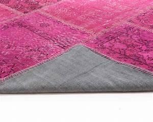 Tapis Scandinave Rose : rose fuchsia overdyed tapis vintage main en turquie outlet store ~ Teatrodelosmanantiales.com Idées de Décoration
