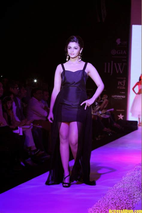 alia bhatt hot sexy ramp walk   black dress
