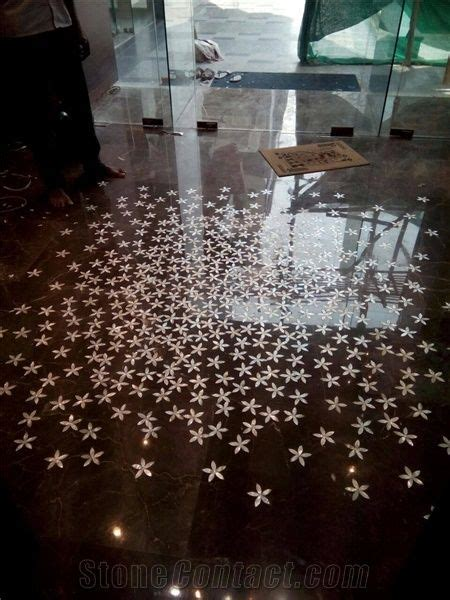 Floor Design Inlay Work with Mother Of Pearl Marble