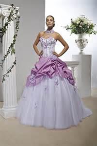 robe de mariã e de couleur robe de mariée couture avisée robe de mariee caleche avec des bouillonnés en taffetas avec