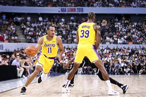 Avery Bradley wants to remain with the Lakers, but with ...