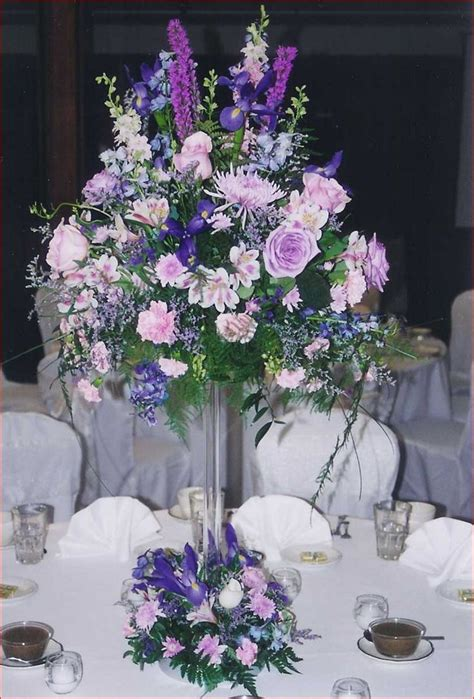 vases for wedding flowers 17 best ideas about flower arrangements on