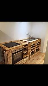 Küche Aus Paletten : mache dir mit diesen 9 paletten k chen ideen einen schrank eine k cheninsel oder sogar eine ~ Eleganceandgraceweddings.com Haus und Dekorationen