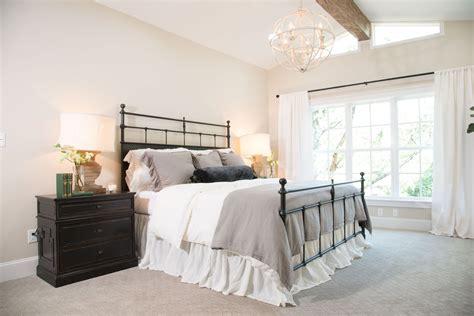 Joanna Gaines Bedroom Design Ideas by Season 4 Episode 1 Home Home Bedroom Bedroom