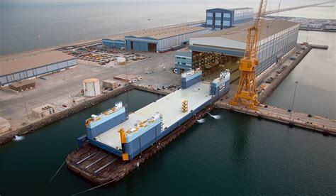 efficiency floor plans load out recovery barge with 13 000 tonnes of lifting capacity