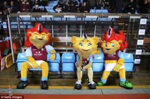 Paul Lambert still has backing of Aston Villa | Daily Mail ...