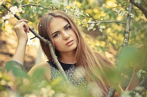 Kur dzīvo skaistākās meitenes 3 - Spoki - bildes 2