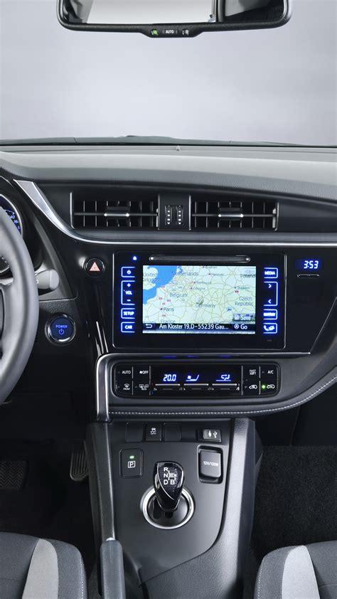 wallpaper toyota auris hatchback hybrid blue interior