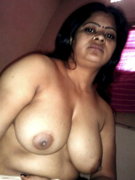 Sexy Indian Bhabhi Big Boobs Photos