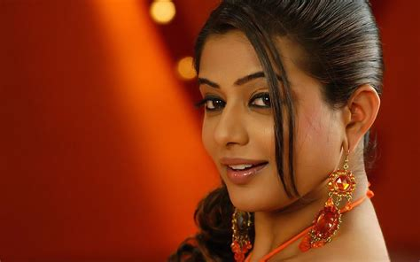 indian actress hd wallpapers indian actress priyamani hd