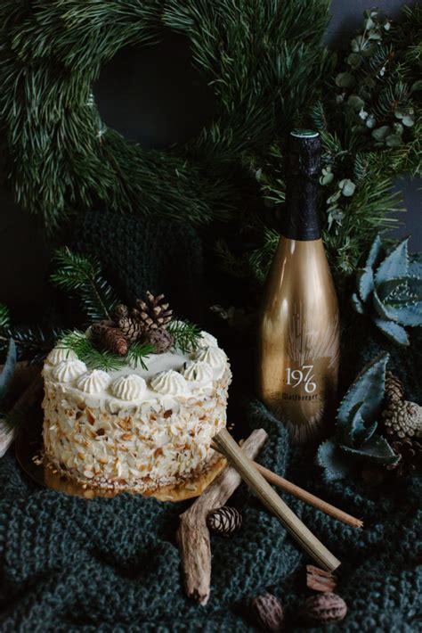 Mandeļu Amaretto kūka - Pie Galda!