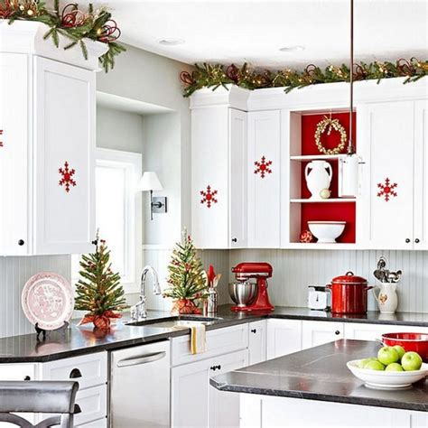 christmas decorations for kitchen 23 ways to decorate your kitchen for the holidays